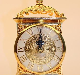 사각궁전 탁상시계